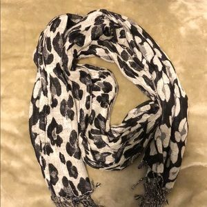Silver and Black Leopard Scarf with Silver Tinsel
